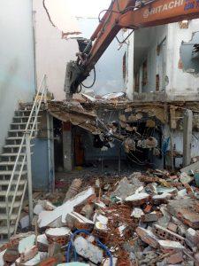 đập phá tháo dỡ nhà tại dĩ an bình dương hotline 0988838129 mr Lực