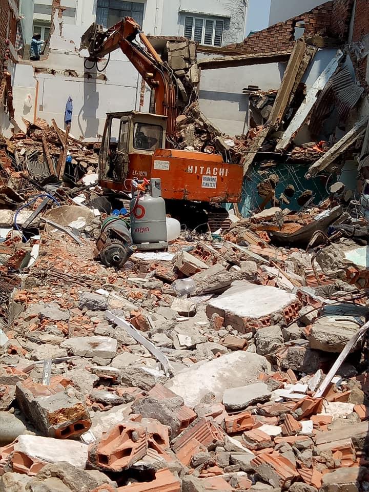 đập phá tháo dỡ nhà cũ tại dĩ an bình dương giá tốt Lh 0988838129 Mr Lực